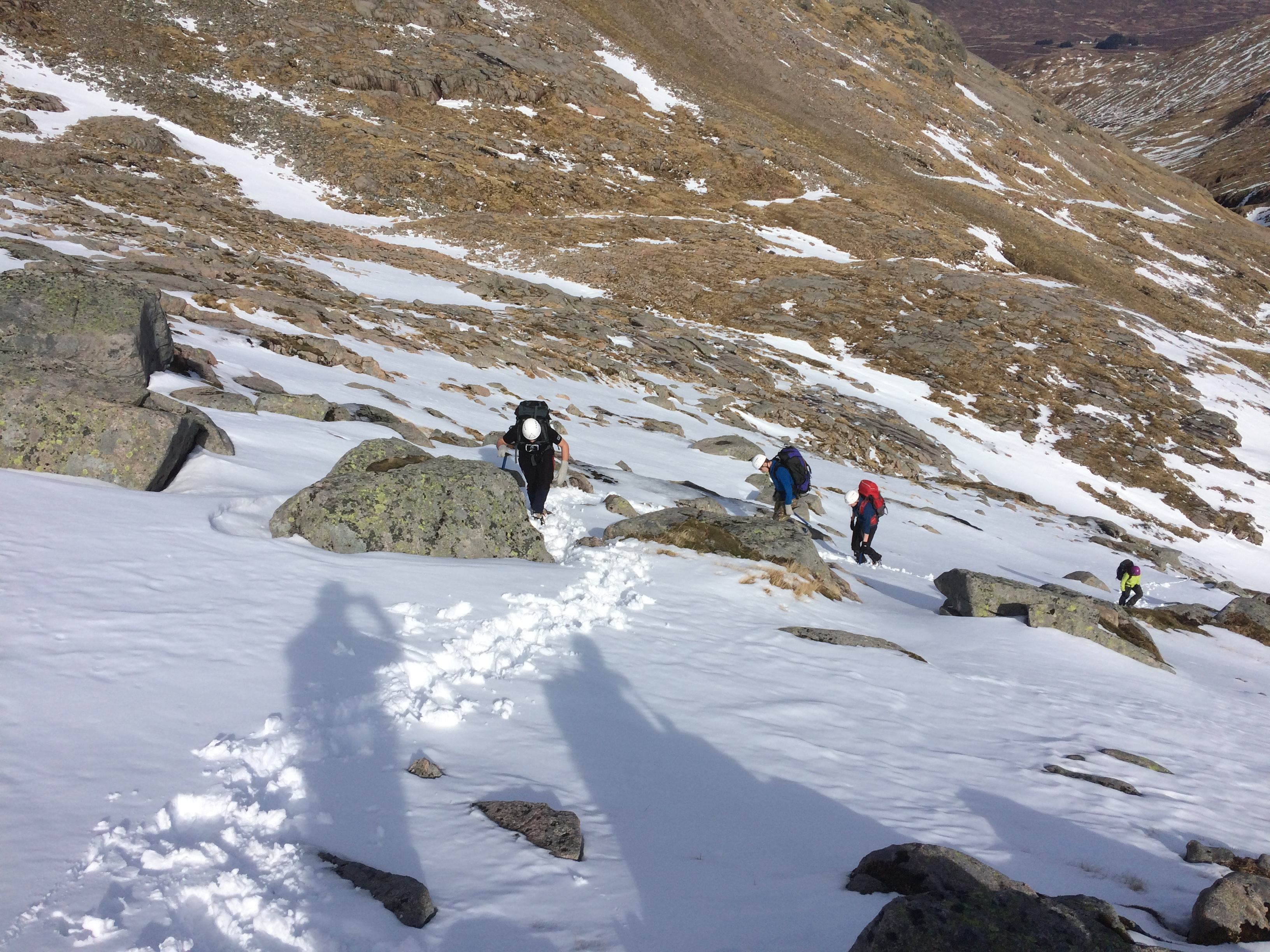 Climbing to the col below Creise